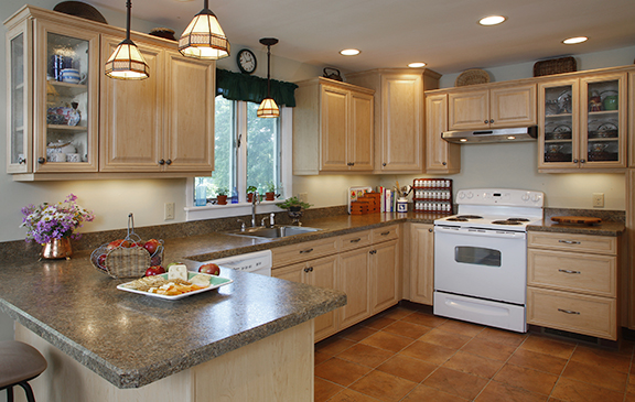 3 popular cabinet door choices to pair with kitchen for Kitchen cabinet choices