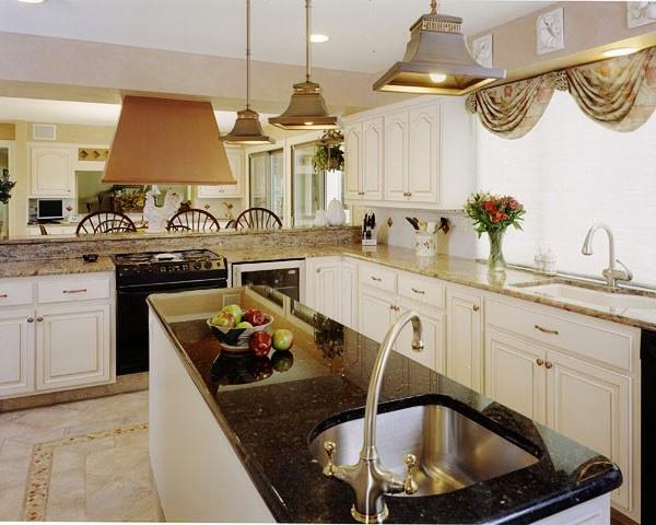 5 steps to a farmhouse kitchen. Black Bedroom Furniture Sets. Home Design Ideas