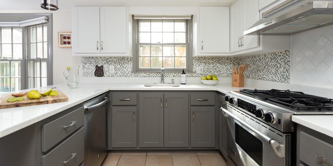 white-shaker-kitchen-gray-two-tone