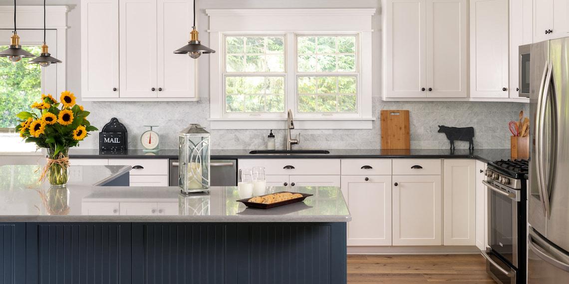 white-shaker-two-toned-kitchen
